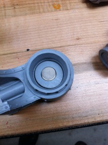 Reaver Shoulder, test fitting arm top and magnet