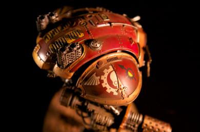 Shoulder view of Knight Titan Errant